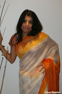 Kavya in banarsi sari doing a strip show for her fans