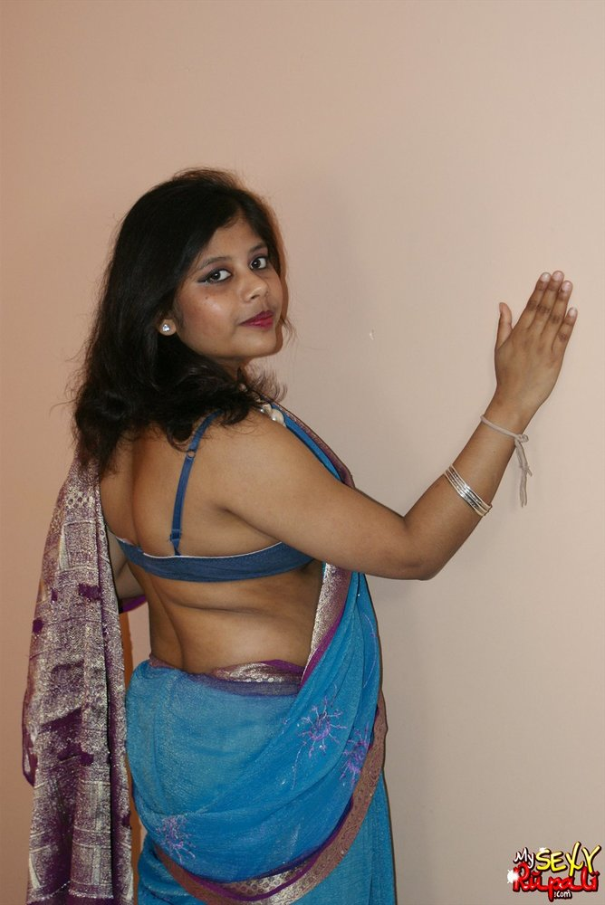 gujarati-girl-stripped-naked-bloomington-new-york-strip-clubs