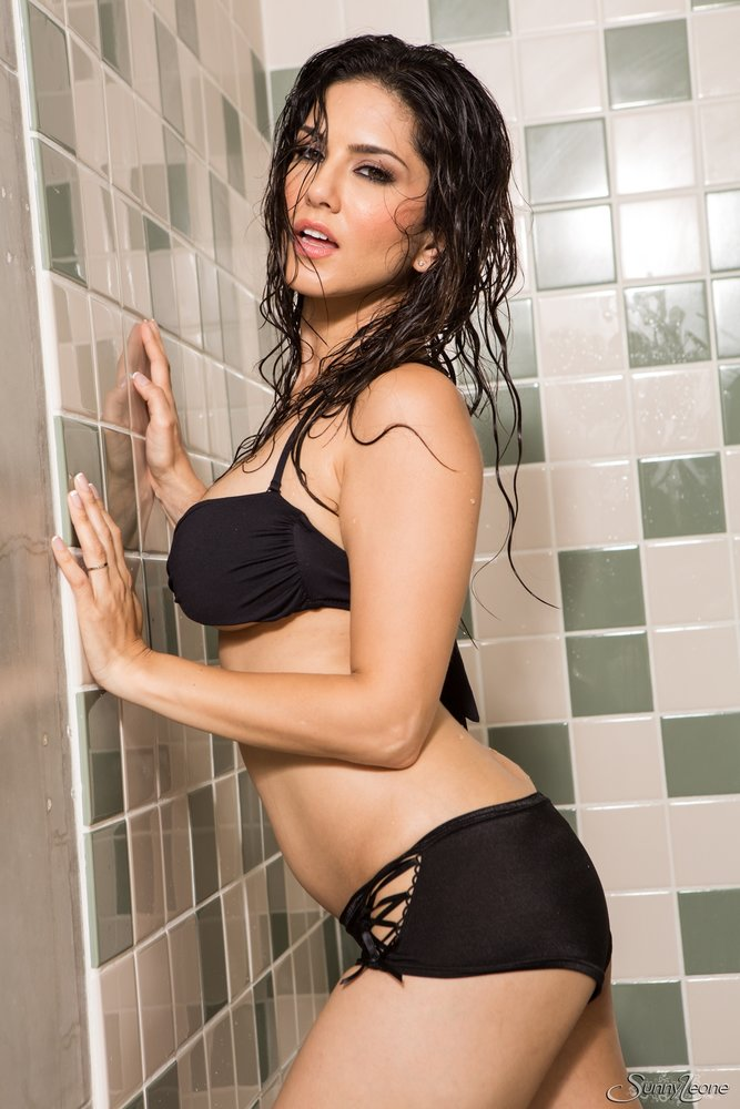 Check All The Picture Galleries Of Sunny Leone Bollywood Indian Pornstar Babe Click Here