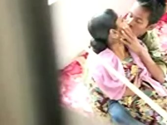 Homemade sex tape of real life Indian couple leaked