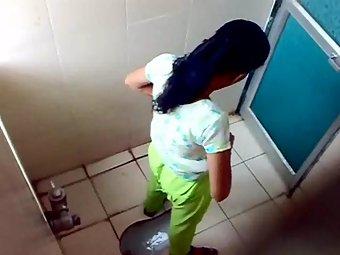 Sophia college girl caught pissing