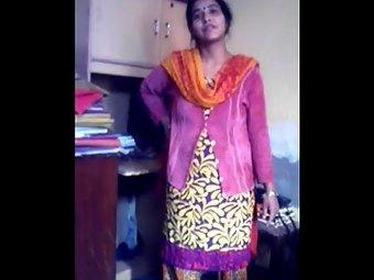 Simi Bhabhi Tight Indian Pussy Show