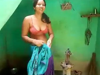 Free Video Desi Sexy Wife Big Tits Captured Nude
