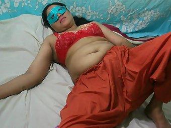 Indian Amateur MILF Masturbation
