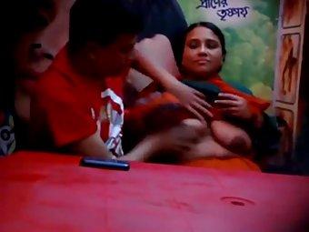 Bangladeshi couple celebratign valentine with sex
