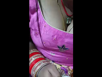Voyeur Sex Beautiful Bhabhi Hot Cleavage