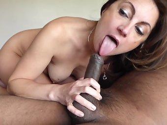Horny Indian Aunty Hot Blowjob Sex