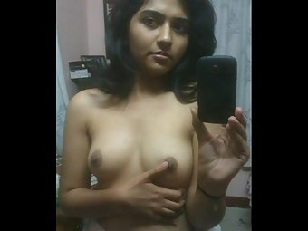 Sexy Indian Girlfriend Filmed Nude At Home