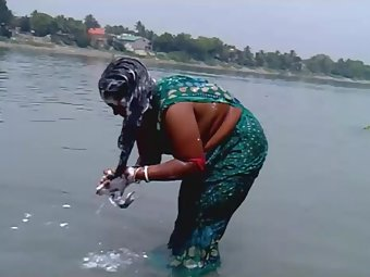 Hot Indian Wife Outdoor Shower Free Video