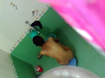Cousin sister caught taking shower