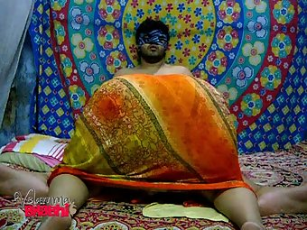 Hot South Indian MILF Velamma Bhabhi Blowjob