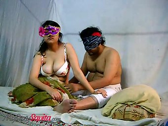 India's Famous Amateur Indian MILF Bhabhi Savita