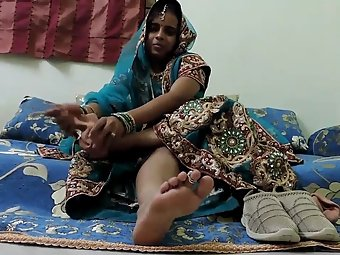 Gujarati bhabhi foot fetish