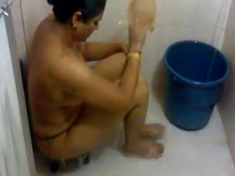 Super Sexy Indian Bhabhi House Wife Ambika Nude