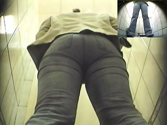 Hidden cam fixed in publc toilet