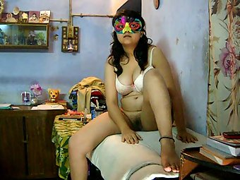 Savita bhabhi fucked on a table like a pornstar