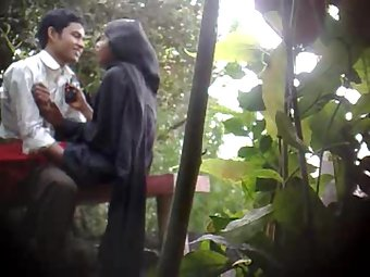 Young Indian couple hardcore sex in public park mms